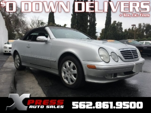 2000 Mercedes-Benz CLK Photo
